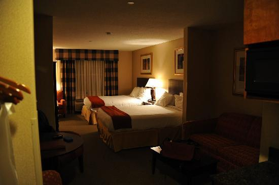 Holiday Inn Express Hotel & Suites Freeport: Wonderful, Comfy Beds