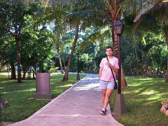 Hotel Riu Tequila: Paseo para las habitaciones (rooms path)