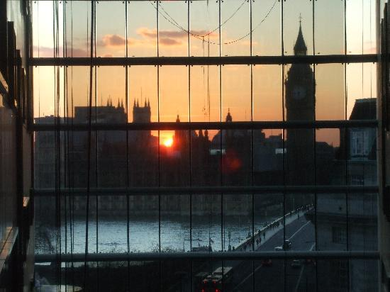 Park Plaza Westminster Bridge London: View of Houses of Parliament from inside the hotel