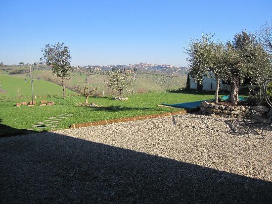 Aia Mattonata Relais: View of Siena from Aia Mattonata