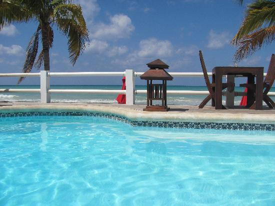 Negril Palms Hotel: the pool