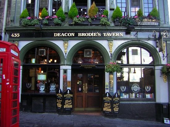 Deacon Brodie's Tavern... home of the interesting vegetable stir-fry. Oh and... a red telephone