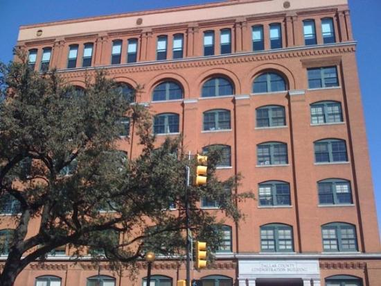 The Sixth Floor Museum at Dealey Plaza: Sixth Floor window w/ stripes is where Oswald shot Kennedy