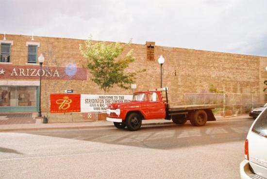 Winslow, AZ: flatboard Ford