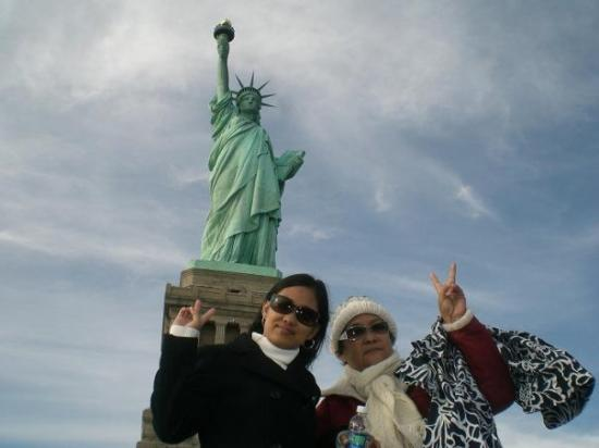 New York Fun Tours: The Statue of Liberty in New York...