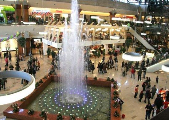 Cluj-Napoca, Romania: Einkaufen in Iulius Mall (CLUJ-ПΛPӨCΛ-400436)