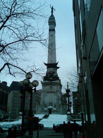 Colonel Eli Lilly Civil War Museum - Soldiers & Sailors Monument : Circle Center Memorial