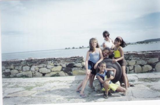 Ilha de Itamaraca, PE: fort orange,Itamaraca-Brazil (1999-2000?)