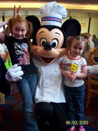 Chef Mickey's: Chef Mickeys