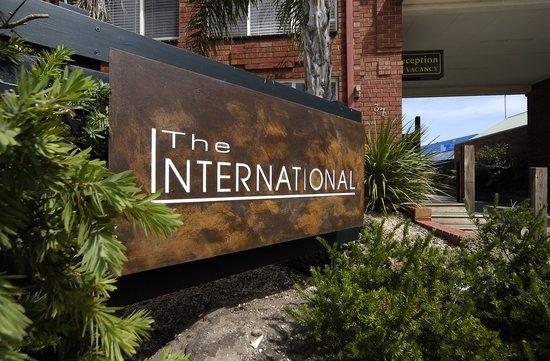 Comfort Inn The International: Main Entrance