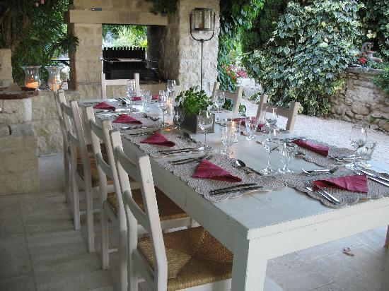Aubignan, France: breakfast at 'Le Mas'