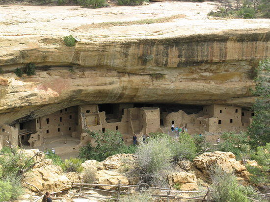 Parque Nacional de Mesa Verde, CO: Spruce Tree House (Mesa Verde National Park)