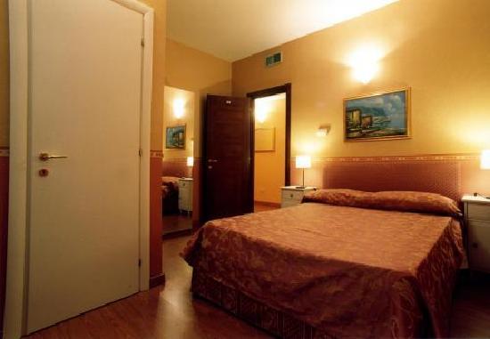 Hotel Cantoria: camera matrimoniale