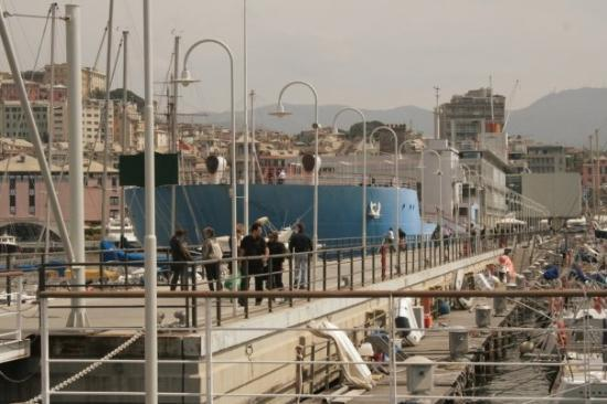 Genova, Italia: The new aquarium is built to resemble a supertanker, with a real tanker at its bow that has a re