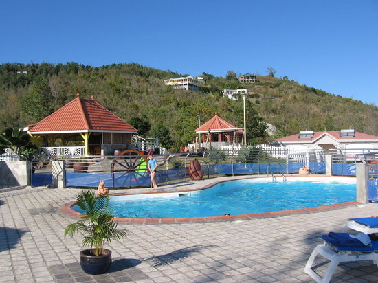 Residence Ilot Bleu : Vue de la piscine