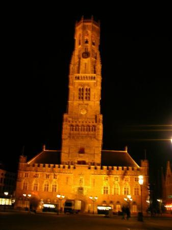 Belfry (Belfort) and Market Halls (Hallen): same tower