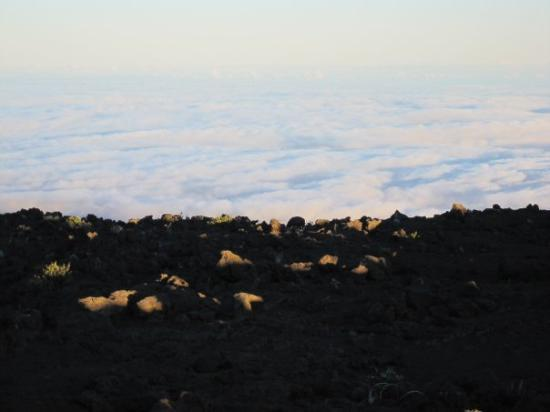 Haleakala National Park, HI: Lookin towards the ocean