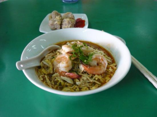 Chinese Food Hawker Stalls: Sarawak Laksa... delicious..