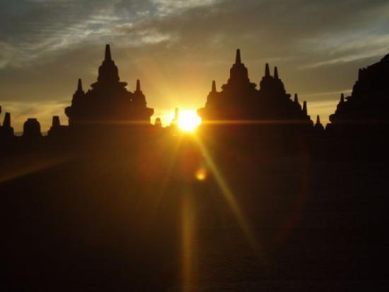 Borobudur Tempel: Sunrise at Borobodur