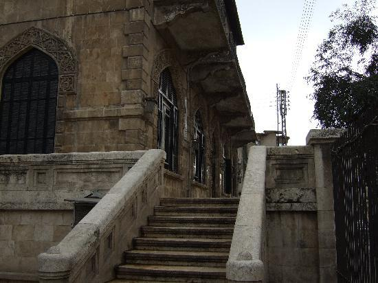 Baron Hotel: the stairs leading to entrance