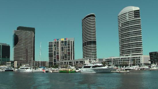 Melbourne, Australia: Fabulous boat trip on the Yarra River
