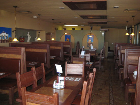 EL CAMPANARIO RESTAURANT: Interior is well appointed