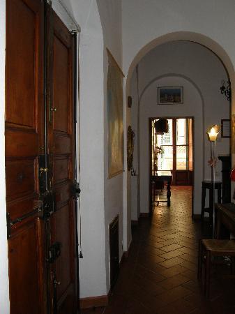 The entrece - Picture of Soggiorno Panerai, Florence - TripAdvisor