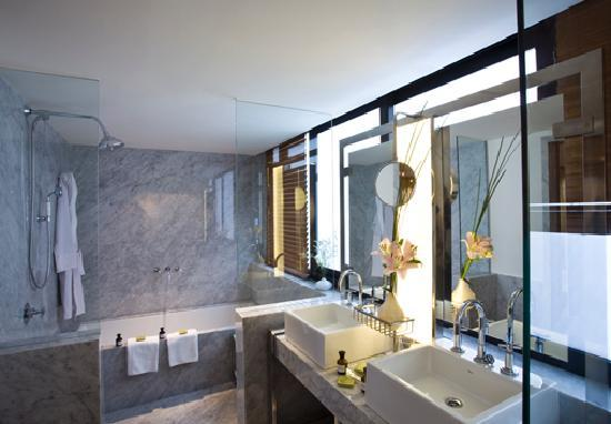 Palermitano Hotel: Luxurious Bathroom Suite