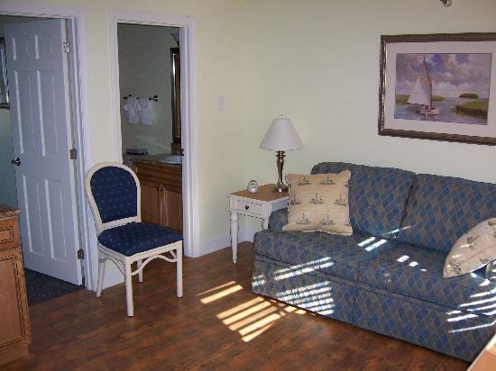 Nautical Mile Resort: Livingroom timeshare standard