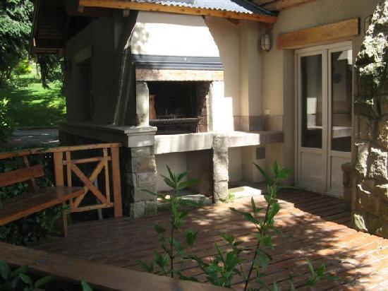 Villa Huinid Resort & Spa: Parrilla en deck