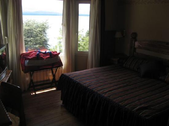 Hotel Villa Huinid Bustillo: Habitacion principal cabaña