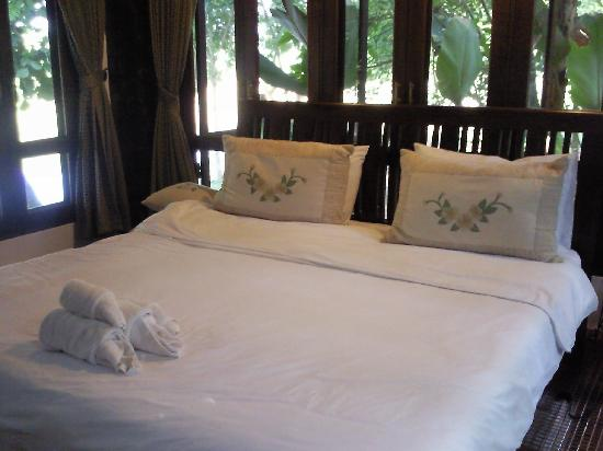 Baan Nam Ping Riverside Village: Bedroom