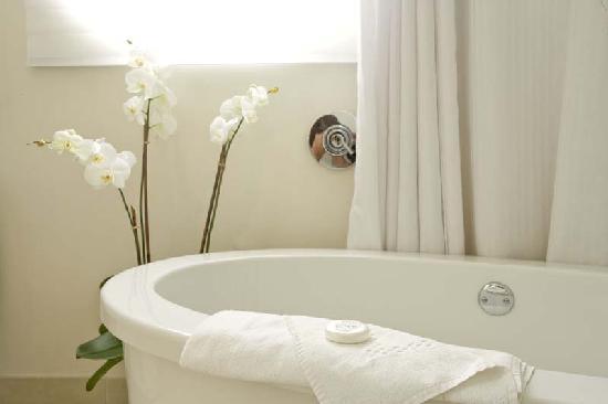 Suites At Congress Ocean Drive: Our Custom Made Dip In Bathtub