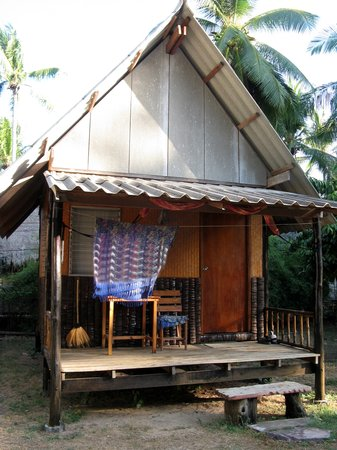 Blue Sky Beach Bungalow: better bungalow bit further from beach