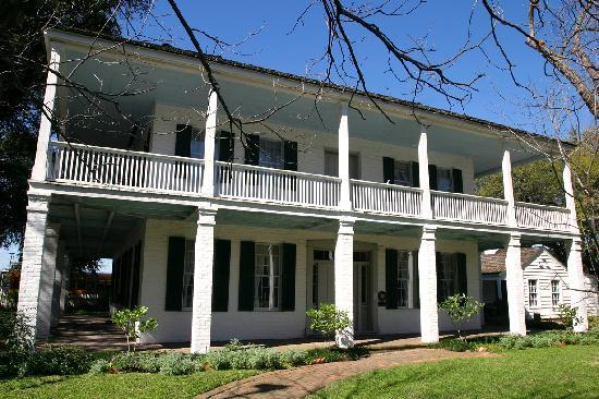 The Heritage Society: 1847 Kellum-Noble House