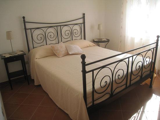 La Vitusa country bed & breakfst: Camere luminose ampie e confortevoli