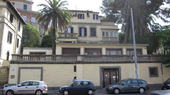 Residence villa tassoni hotel roma italia prezzi 2018 for Hotel economici roma centro
