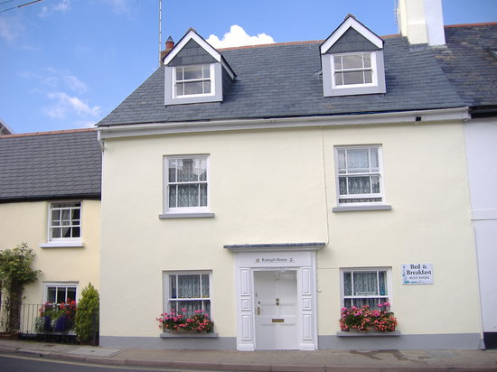 Raleigh house appledore angleterre voir les tarifs et for The house raleigh