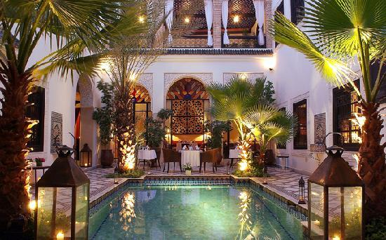 Le Riad Monceau: RIAD MONCEAU - PATIO AT NIGHT 2