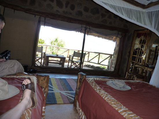 Wildlife Kenya Safaris - Day Trips: Ngulia Camp