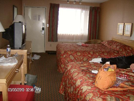 Accent Inn Kamloops: chambre