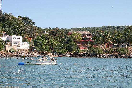 Chacala, เม็กซิโก: Casa De Tortugas as seen boating into the marina