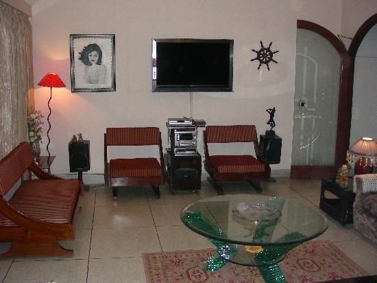 Jaipur Home Stay: Living Room