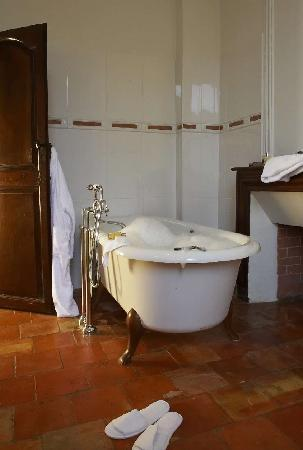 Relais & Chateaux Relais Royal: Bathroom Deluxe Room 102