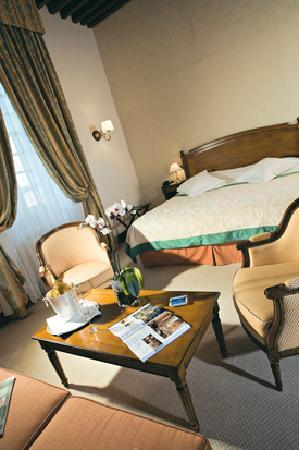 Relais & Chateaux Relais Royal: Deluxe Room 204