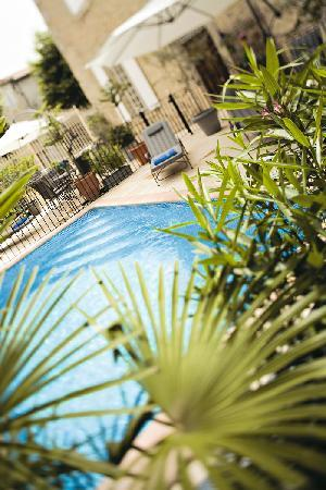 Relais & Chateaux Relais Royal: Swimming Pool (heated)