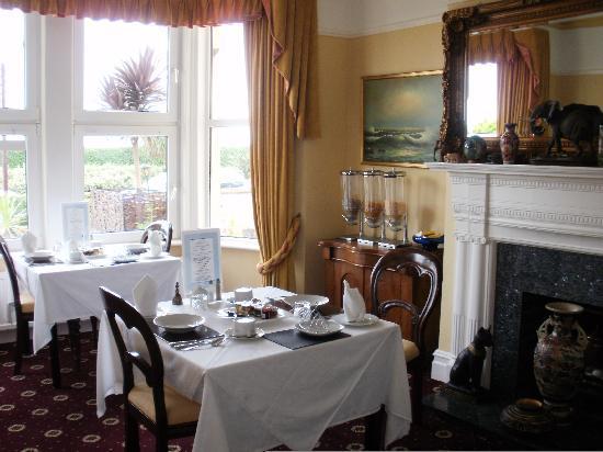 Benson's Guest House: Breakfast Room