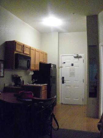 Candlewood Suites Medford: from the living area, this is the kitchenette and room entry