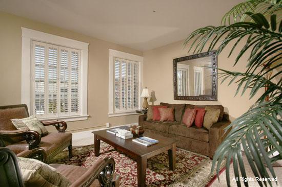 William Penn Hotel: Living Area