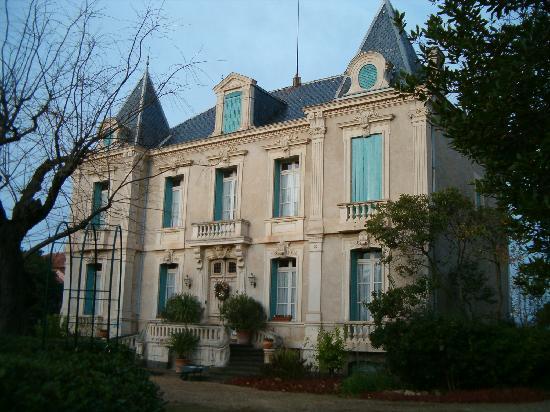Chateau de Quarante: Façade avant
